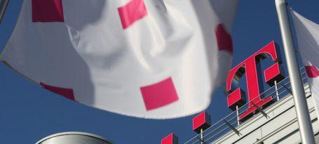 Deutsche Telekom, Logo, Flaggen, Bonn